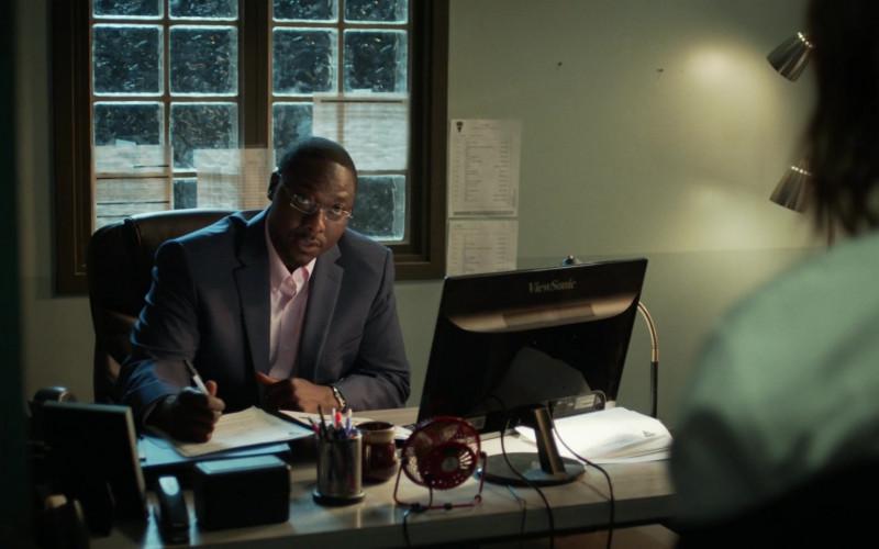 Actor Dohn Norwood as Alan Saintille Using ViewSonic Computer Monitor in Hightown Season 1 Episode 8 TV Show (1)