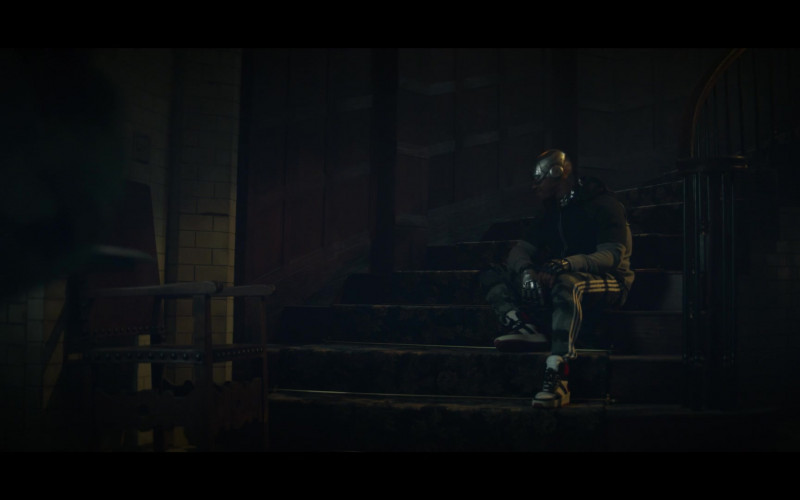 Actor Joivan Wade as Cyborg Wears Adidas Camo Trousers in Doom Patrol TV Show