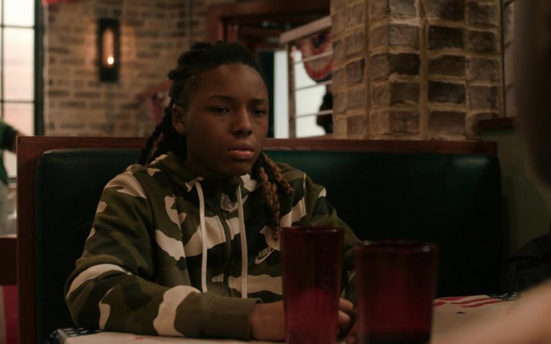 Actor Wears Nike Men's Full-Zip Camo Hoodie in The Chi S03E05 (1)