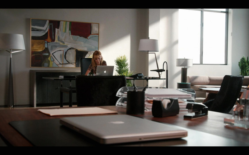 Apple MacBook Laptops in Yellowstone S03E04