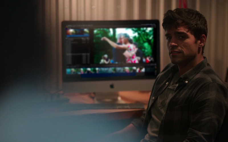 Apple iMac Computer Used by Sean Teale as Ethan in Little Voice S01E01 (2)