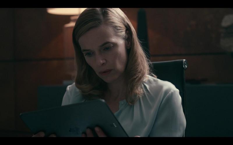 Apple iPad Tablet Used by Thekla Reuten as Jillian Salvius in Warrior Nun S01E05 (2)