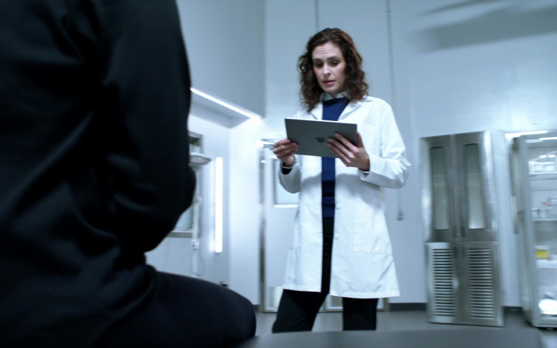 Apple iPad Tablet in Blindspot S05E11