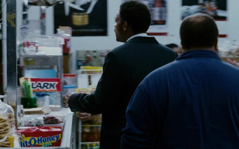 Bit-O-Honey Candy Bars in The Pursuit of Happyness (2006)