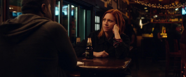 Brittany Snow Drinks Modelo Negra Mexican Beer in Hooking Up 2020 Beer (2)