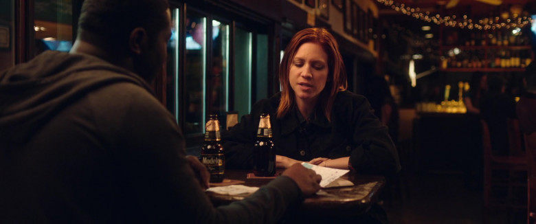Brittany Snow Drinks Modelo Negra Mexican Beer in Hooking Up 2020 Beer (3)