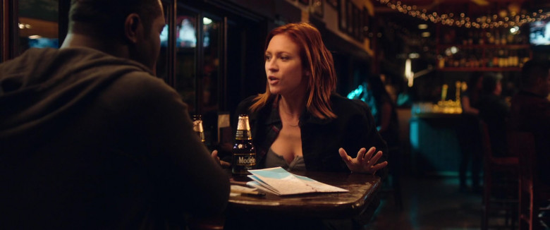 Brittany Snow Drinks Modelo Negra Mexican Beer in Hooking Up 2020 Beer (4)
