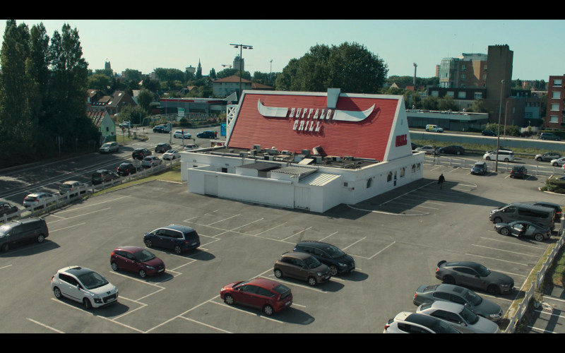 Buffalo Grill Restaurant in Hanna S02E03 (1)
