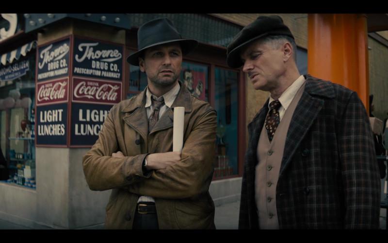 Coca-Cola Vintage – Retro Sign in Perry Mason S01E04 TV Series