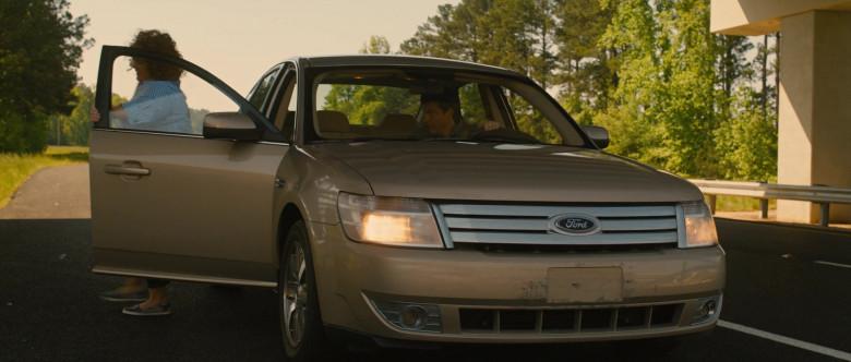 Ford Taurus Car in Identity Thief (3)