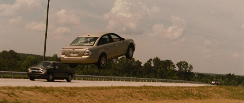 Ford Taurus Car in Identity Thief (6)
