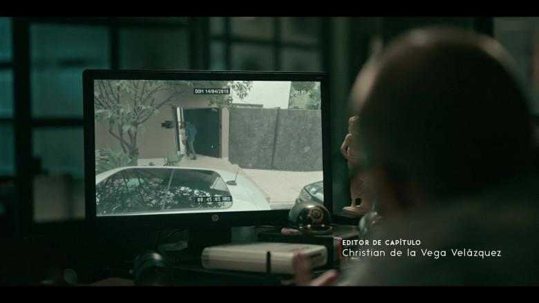 HP Computer Monitor in Dark Desire S01E07
