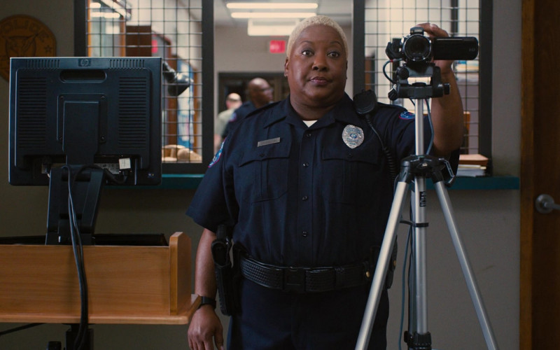 HP Monitor in Identity Thief (2013)