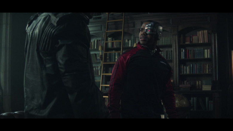 Joivan Wade as Cyborg Wearing Adidas Track Jacket Outfit in Doom Patrol S02E05 TV Series (1)