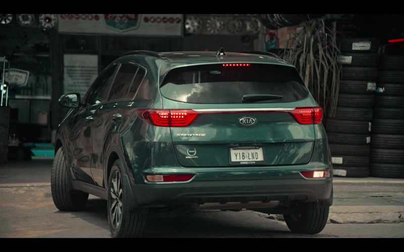 KIA Sportage Car in Dark Desire S01E04 (2)