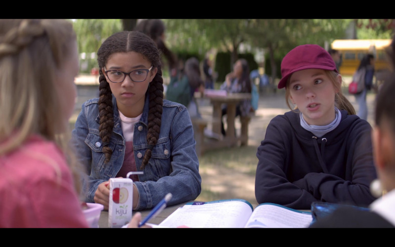 Kiju Organic Apple Juice Enjoyed by Malia Baker as Mary Anne Spier in The Baby-Sitters Club S01E02