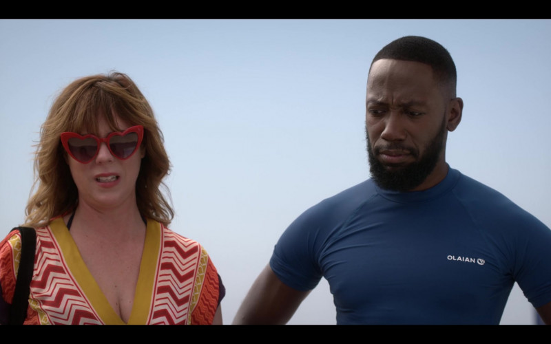 Lamorne Morris Wears Olaian Decathlon Surfing Blue Tee in Desperados Movie (3)