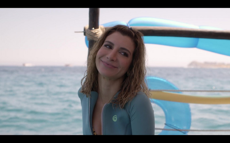 Nasim Pedrad Wears Subea Snorkelling Top in Desperados Movie (3)