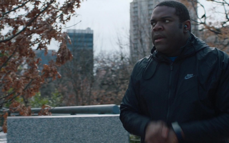 Sam Richardson Wears Nike Windrunner Hooded Jacket Sports Outfit in Hooking Up Movie (2)