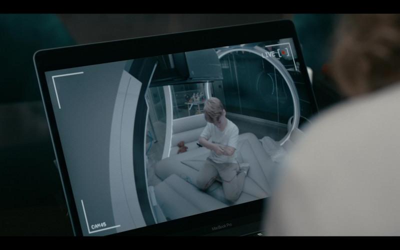 Thekla Reuten Using Apple MacBook Pro Laptop in Warrior Nun Season 1 Episode 10 TV Show (2)