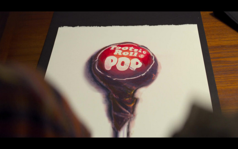Tootsie Pop Hard Candy Lollipop in The Baby-Sitters Club S01E06