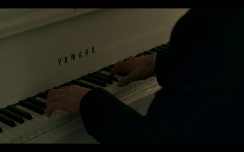 Yamaha Piano in Hanna S02E01 Safe (2020)