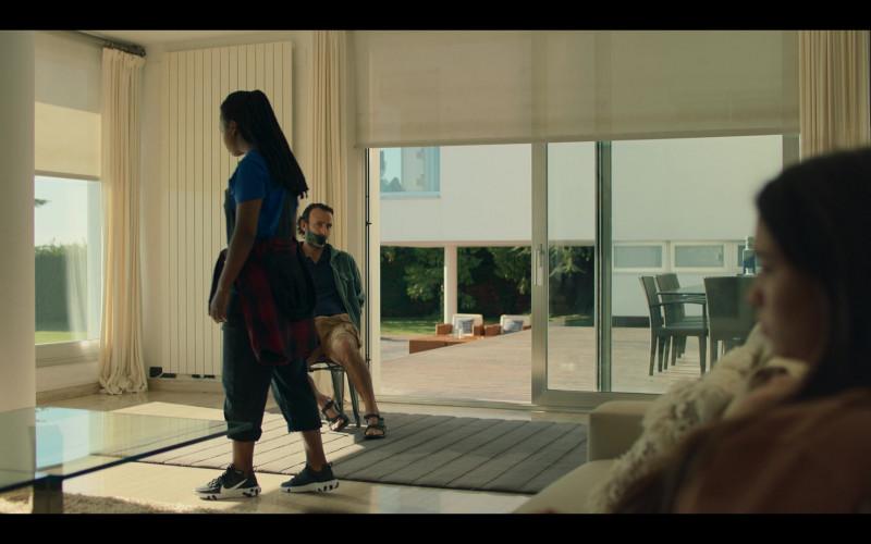Yasmin Monet Prince as Clara Wears Nike React Element 55 Shoes in Hanna Season 2 TV Show (1)