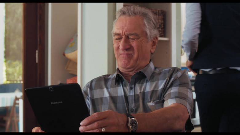 Actor Robert De Niro as Ed Holding Samsung Galaxy Android OS Tablet in The War with Grandpa Film