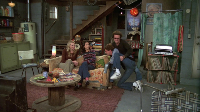 Actor Topher Grace as Character Eric Forman Wears Nike Sneakers in That '70s Show S07E07 (2)