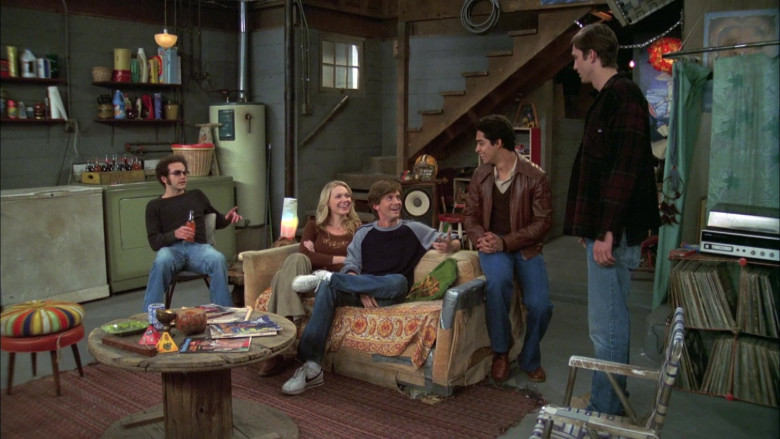 Actor Topher Grace as Character Eric Forman Wears Nike Sneakers in That '70s Show S07E07 (4)