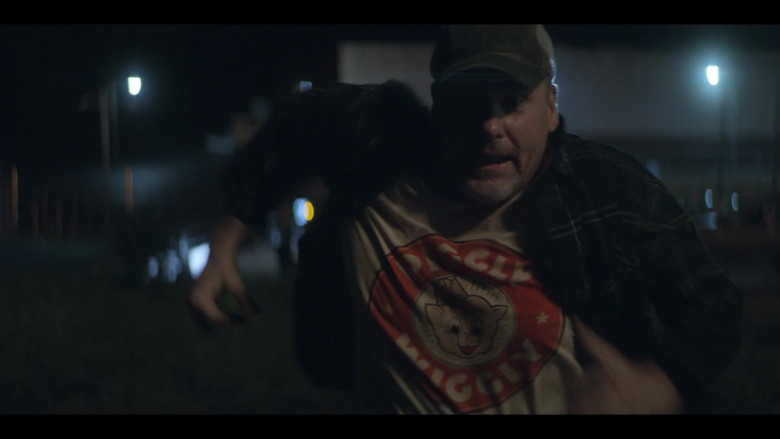 Actor Wears Piggly Wiggly Supermarket T-Shirt in Teenage Bounty Hunters
