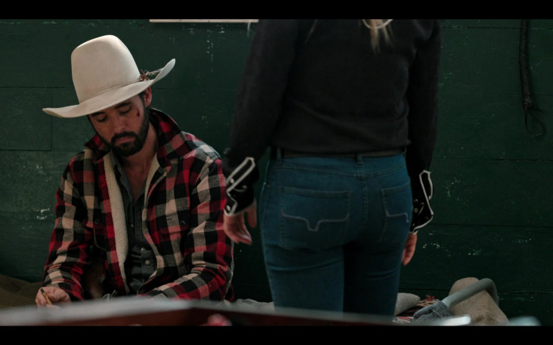 Actress Wears Kimes Ranch Women's Jeans Outfit in Yellowstone S03E09 TV Show (1)