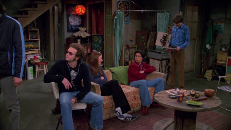 Adidas Shoes Outfit of Laura Prepon as Donna Pinciotti in That '70s Show S04E19