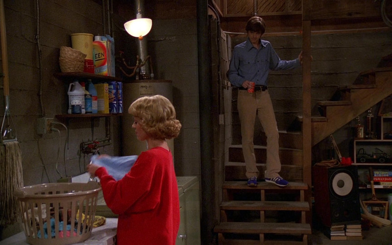 Adidas Sneakers, Blue Shirts and Pants Outfit of Topher Grace as Eric Forman in That '70s Show S01E02