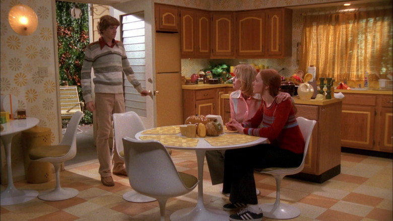 Adidas Sneakers, Wide-Leg Pants and Red Sweater Outfit of Laura Prepon as Donna Pinciotti in That '70s Show S01E09