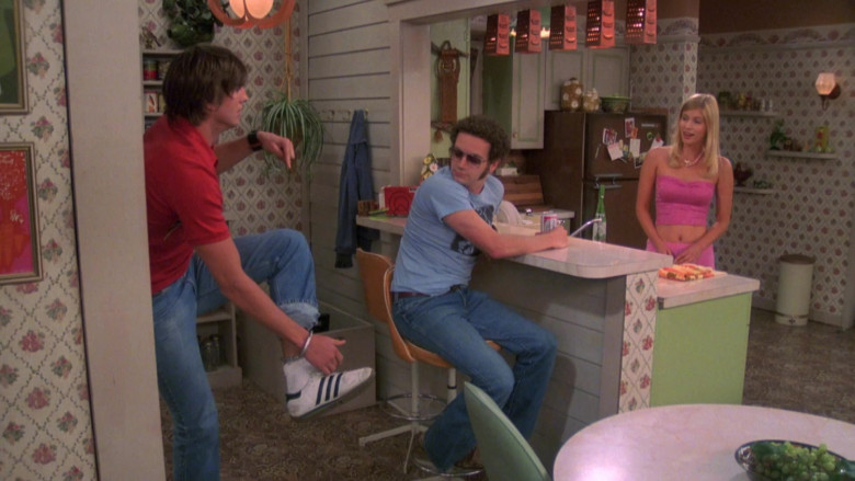 Adidas Sneakers of Ashton Kutcher as Michael Kelso in That '70s Show S08E02 (2)