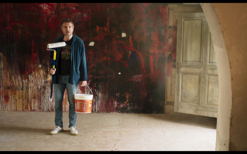 Adidas Sneakers of Liam Neeson in Made in Italy (1)