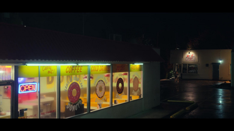Annie's Donut Shop in All Together Now Movie by Netflix (1)