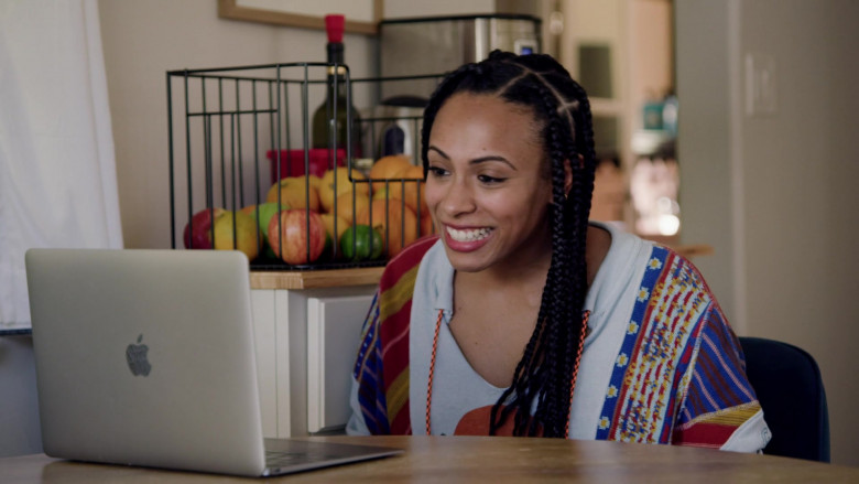 Apple MacBook Laptop Used by Nicolette Robinson as Sade in Love in the Time of Corona S01E01 (1)