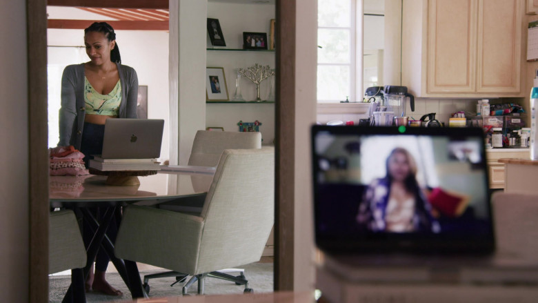 Apple MacBook Laptop Used by Nicolette Robinson as Sade in Love in the Time of Corona S01E02