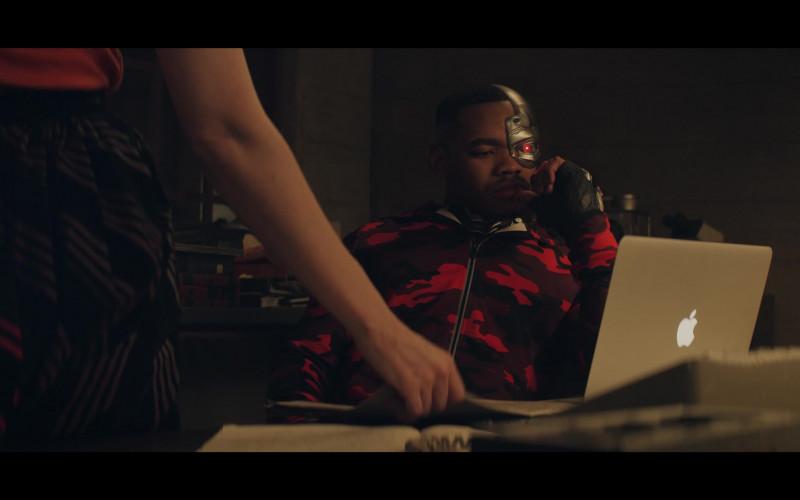 Apple MacBook Laptop of Joivan Wade as Victor 'Vic' Stone – Cyborg