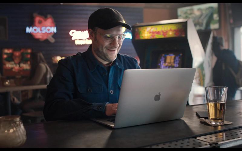 Apple MacBook Laptop of Seth Rogen (3)