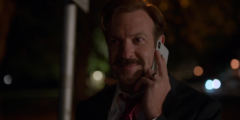 Apple iPhone Smartphone Used by Jason Sudeikis in Ted Lasso S01E04