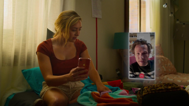 Apple iPhone Smartphone of Peyton List in Swimming for Gold (1)