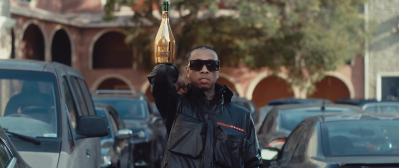 Armand de Brignac Champagne Gold Bottles in VIDA LOCA by Black Eyed Peas, Nicky Jam & Tyga (3)