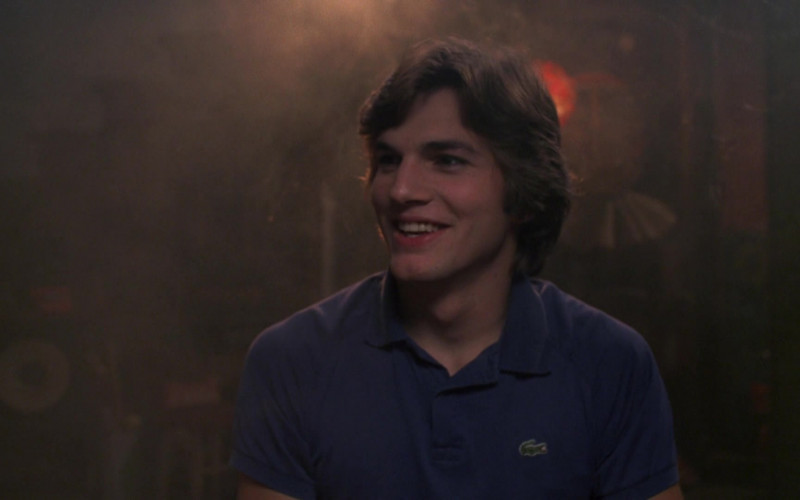 Ashton Kutcher as Michael Kelso Wears Lacoste Blue Polo Shirt Outfit in That '70s Show Season 4 Episode 9 (1)
