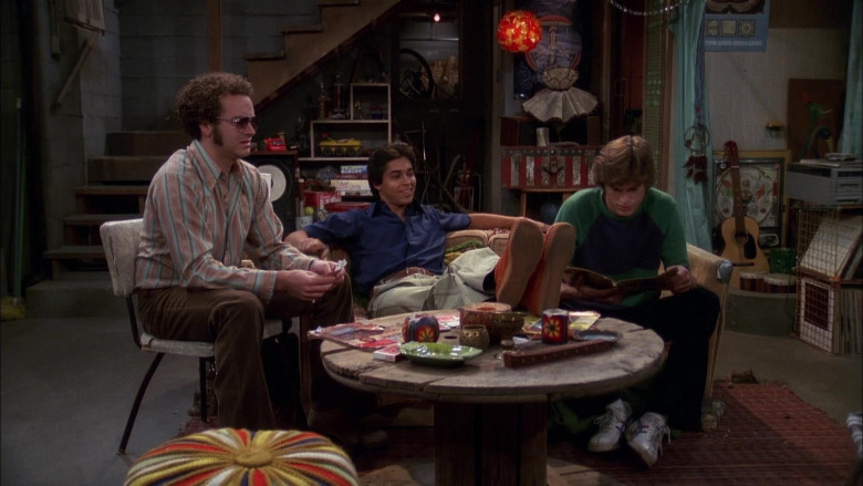 Asics Onitsuka Tiger Shoes, Flared Pants and Green-Blue Sweatshirt Outfit of Ashton Kutcher as Michael in That '70s Show (2)