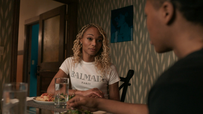 Balmain White T-Shirt Outfit for Women in The Chi S03E10 TV Show (1)