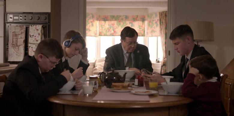 Beats Blue Headphones in Ted Lasso S01E03