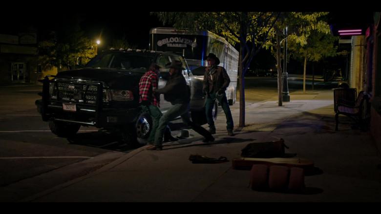 Bloomer Trailer in Yellowstone S03E09 (1)